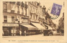 "/ CPA FRANCE 03 ""Vichy, La Rue Georges Clémenceau"" - Vichy"