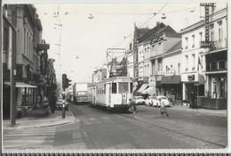 La Louvière - Centre Rue Sylvain Guyaux - Tram (tramway Vicinal) - Photo Années 60   - 14 X 9 Cm - La Louvière