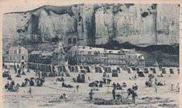 76 -- Le Tréport -- La Plage Et Les Falaises --- 3446 - Le Treport