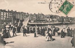 76 Dieppe Quai Henry Henri 4 Cpa Carte Animée Bateau Streamer Vapeur - Non Classés