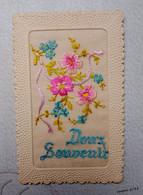 Carte Brodée Doux Souvenir  - Fleurs - Embroidered