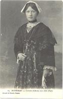 CPA 56 - 64. Costume D'AURAY Avec Châle (Face) - Vestuarios