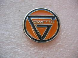 Pin's Embleme Du Constructeur Automobile Anglais GINETTA Fondé En 1958 Dans La Ville De Woodbridge. - Unclassified