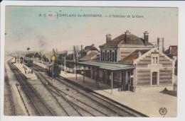 78 – CONFLANS SAINTE HONORINE – L'Intérieur De La Gare (circulée 1935 – CPA Couleur) - Conflans Saint Honorine