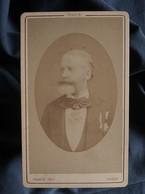 Photo CDV  Franck à Paris  Portrait Homme âgé élégant  Décorations  CA 1880 - L539G - Oud (voor 1900)