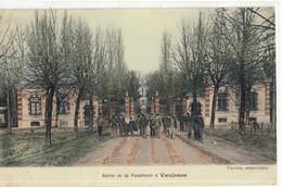 CPA   VAUJOURS  Sortie De La Poudrerie - Other Municipalities