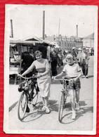 Photo : Un Beau Jour De Marché Avec Un Solex En 1950 - Place De L' Union à ROMILLY Sur SEINE - - Sin Clasificación