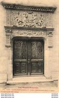 PAU  Le Chateau D'Henri IV- Porte Renaissance Dans La Cour  ..... ( Ref FB283 ) - Pau