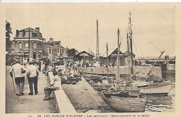 85, Vendée, SABLES D'OLONNE,  Les Sardiniers, Débarquement De La Pêche,animations, Scan Recto-Verso - Sables D'Olonne