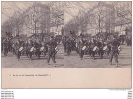"""Carte   """"  STEREOSCOPIQUE  """"    Réf-JP-W-190  ( Militaria )        As Tu Vu La Casquette , La Casquette ??.... - Maniobras"""