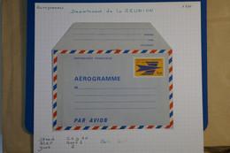 N23 REUNION BELLE LETTRE AEROGRAMME1971 NON VOYAGEE - Poste Aérienne