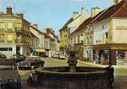 77 RARE LA FERTE GAUCHER LE GRAND BASSIN / VOITURES ANCIENNES / CITROEN DS - La Ferte Gaucher