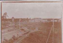 Foto Bahnhof Und Gleise - Ca. 1900 - 11*8cm  (55111) - Treinen