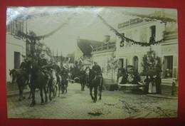 28 Epernon Carte-photo  Cavalcade 1911 TB Animée Sans éditeur Dos Scanné N°1 Mint Pas De Reflet Sur Original - Epernon