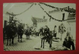 28 Epernon Carte-photo Cavalcade 1911 TB Animée Sans éditeur Dos Scanné N°3  Mint Pas De Reflet Sur Original - Epernon
