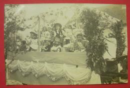28 Epernon Carte-photo Char De La Cavalcade 1911-1912 TB Animée Sans éditeur Dos Scanné N°10 - Epernon
