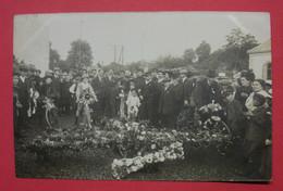 28 Epernon Carte-photo Fête Aux Fleurs 18 Août 1912 TB Animée Sans éditeur Dos Scanné N°11 - Epernon
