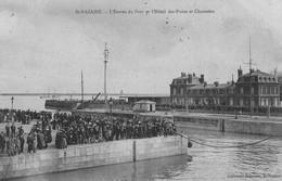 SAINT-NAZAIRE - L'Entrée Du Port Et L'Hôtel Des Ponts Et Chaussées - Foule Sur Les Quais - Saint Nazaire