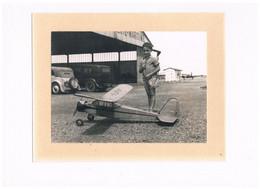 17 PHOTO 18 X 13 CM LA ROCHELLE MODELE REDUIT LALEU AERODROME 1952 - La Rochelle