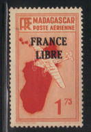 Madagascar 1942 Yvert PA 46 Neuf* Infime Trace Charnière (AC123) - Airmail