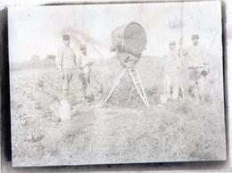 PHOTO  MILITAIRE  ANCIENNE -  PROJECTEUR  De Défense Contre L' Aviation   Avec 4 Soldats - War, Military
