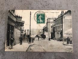 CP 1911 Carte Postale Ancienne Saint-Quentin Passage à Niveau Animée Hotel Café Restaurant Auto Garage - Saint Quentin