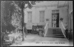 VICHY _ Un Coin De Jardin - Hôtel De Séville - Vichy