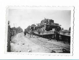 Braine ( Aisne ) - Gare - Transport De Tanks - Soldats Sur Les Quais - Guerra, Militari