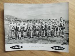 Cyclisme - Photo Cartonnée Publicitaire CARPANO 1963  : Présentation De L'équipe, On Reconnait VANNITSEN, DEFILLIPIS, RO - Cycling