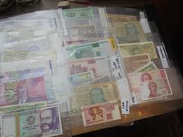 MONDE 100 BILLETS La PLUPART SOUS PLASTIQUES-QUELQUES DOUBLONS (RH.98) 400 Grammes - Lots & Kiloware - Banknotes