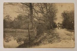 51 MONTMIRAIL Ou Environs - CARTE PHOTO - Chemin Au Bord D'un Etang Et Chateau Au Fond - Cpa Marne - Montmirail