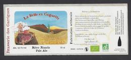 Etiquette De Bière Blonde -  La Belle En Goguette  -    Brasserie De Garrigues à Sommières (30) - Beer