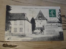 DOMEZAIN : L'église Et La Place Du Village ............. 201101c-3479a - Autres Communes