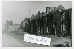 Ardennes. HARGNIES. Rue En Ruines De La Place De Launet - 1939-45