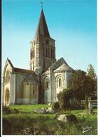 AULNAY DE SAINTONGE ( Charente Maritime ) , Eglise Saint Pierre ( XII Siècle ) , Porte Latérale , Clocher Et Abside - Aulnay