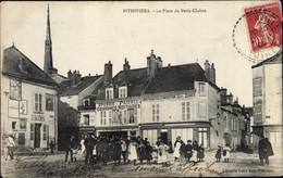 CPA Pithiviers Loiret, La Place Du Petit Cloire - Altri Comuni