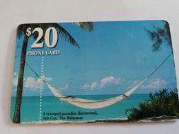 BAHAMAS $20,- CHIPCARD   A TRANQUIL PARADISE DISCOVERED SALT CAY BAHAMAS  **5088** - Bahamas