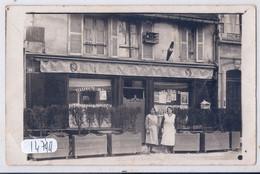 TROYES- CARTE-PHOTO- CAFE MARIUS- ON Y BOIT DE LA BIERE DE TROYES- AU 98 D UNE RUE..- RECT/VERSO- 1932 - Troyes