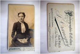 PHOTO CDV FEMME ELEGANTE ROBE  MODE Cabinet CRANEGUY A LAVAL - Old (before 1900)