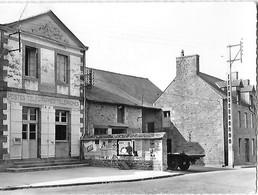 35 - Ille Et Vilaine - BONNEMAIN - La Poste - Postes Télégraphes Téléphones - Panneau Publicitaire - - Other Municipalities
