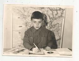 Photographie, 175 X 125 Mm, 1964,  Enfant , école , écolier Dans Sa Classe, Frais Fr 1.65 E - Unclassified