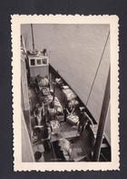 Photo Originale Vintage Snapshot Boulogne Sur Mer Retour De Peche Debarquement Du Poisson   46171 - Places