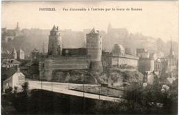 3XA 750. FOUGERES - VUE D'ENSEMBLE A L' L'ARRIVEE PAR LA ROUTE DE RENNES - Fougeres