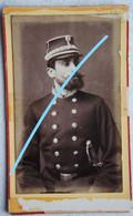 Photo CDV Circa 1875 Portrait Officier Police ? Politie Armée Belge ? Belgische Leger Photographe Gonthier Cornand Liège - Ancianas (antes De 1900)