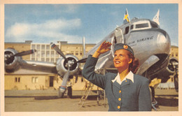 """SUEDE - STOCKHOLM - Bromma Airport - SAS Ground Hostess In Front Of A """" DOUGLAS DC-6 """" - Aviation, Avion - Sweden"""