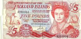 FALKLAND ISLANDS 5 POUNDS RED QEII HEAD FRONT BUILDINGS CHURCH BACK DATED 14-06-1983 VF P.? READ DESCRIPTION!!!!! - Falkland Islands