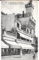 """Cpa LES SABLES D' OLONNE/  Grand Café Des Bains """"Au Pierrot"""" + Patisserie De Pierrot. - Sables D'Olonne"""