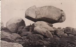 BRIGNOGAN PLAGE (Finistère)  La Roche Tremblante - Brignogan-Plage