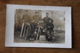 Carte Photo Les Menuisiers Du 17° Bataillon De Chasseurs à Pied Campagne 1914 1915 L'équipe Des Bras Cassés Identifié - War, Military