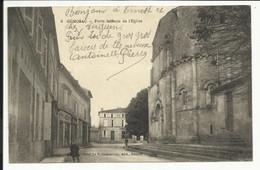 GEMOZAC , Porte Latérale De L' Eglise , CPA ANIMEE - Autres Communes
